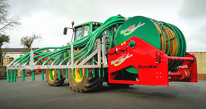 SlurryKat 9mtr dribble bar with rear mounted reeler.