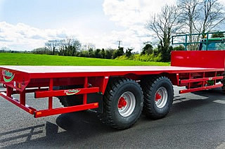 Flatbed Trailers from SlurryKat showing the standard LED road lighting system