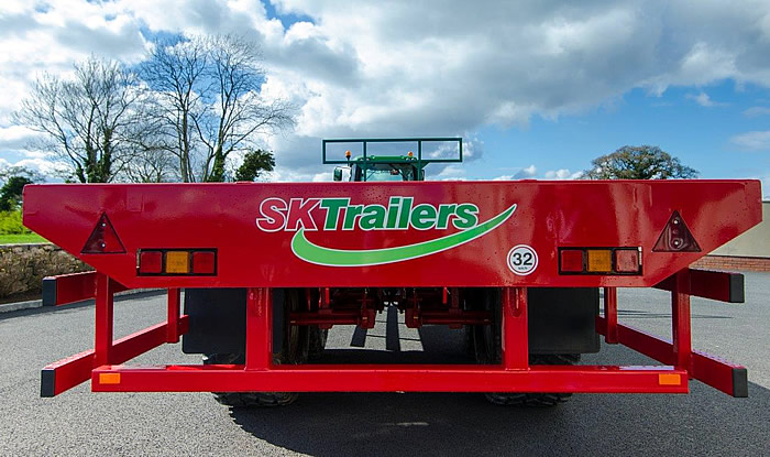 Rear view of a flatbed trailer