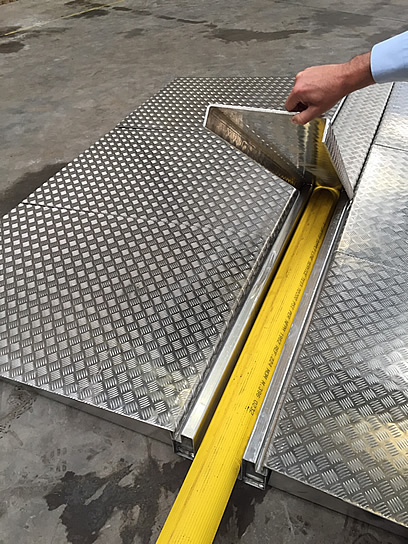 "Hose Crossing Ramps Manufactured from Aluminium for 5"" Hoses"