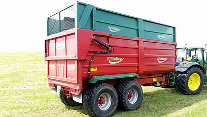 2013 silage trailer rear