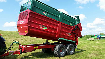 2013 silage trailer tipped