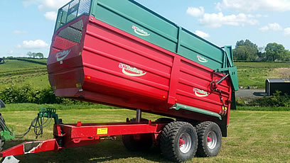 2014 slurrykat trailer tipping