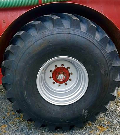 2006 NC 2050 Vacuum Tanker tyre condition