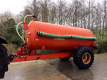 star-1500-gallon-slurry-tanker-side view